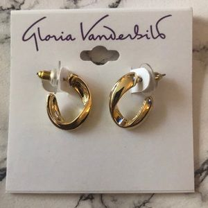 Gloria Vanderbilt earrings